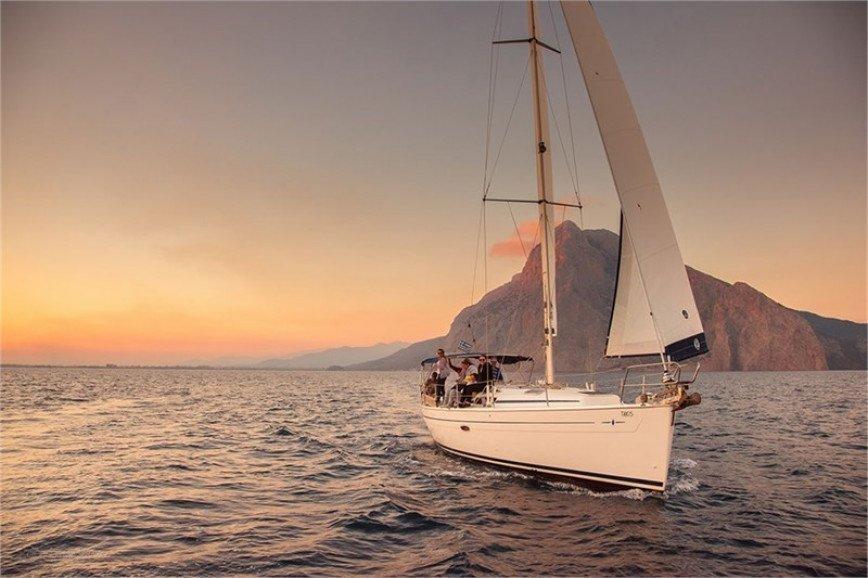 LEFKADA RENT A SAILBOAT Bavaria 38 Cruiser Hippie Fleet
