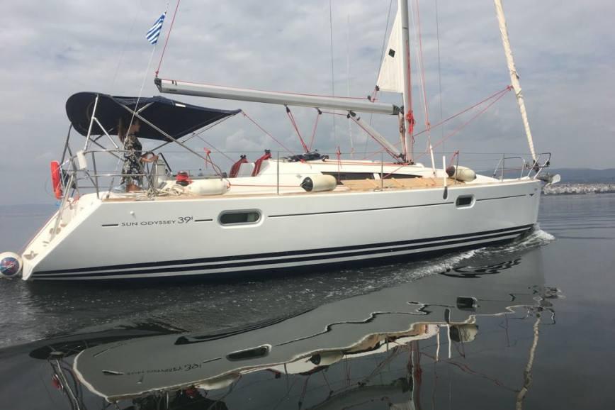 LEFKADA RENT A SAILBOAT Jeanneau Sun Odyssey 39i Hippie Fleet