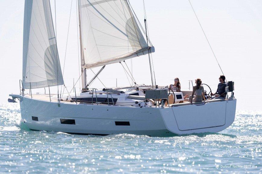 PAROS RENT A SAILBOAT Dufour Yachts 390 Grand Large Hippie Fleet